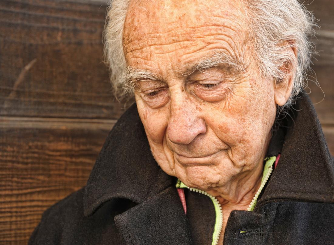 Симптомы и лечение болезни Альцгеймера у пожилых людей
